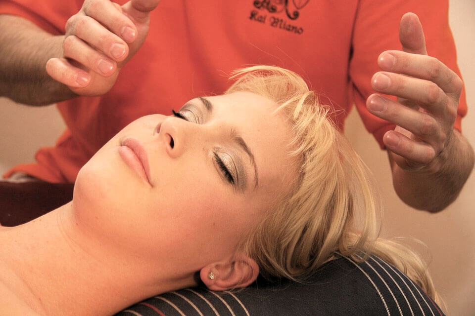 The Tingling Means It's Working: Why Massages Make You Tingle